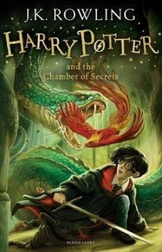 Obal knihy Harry Potter and the Chamber of Secrets EN